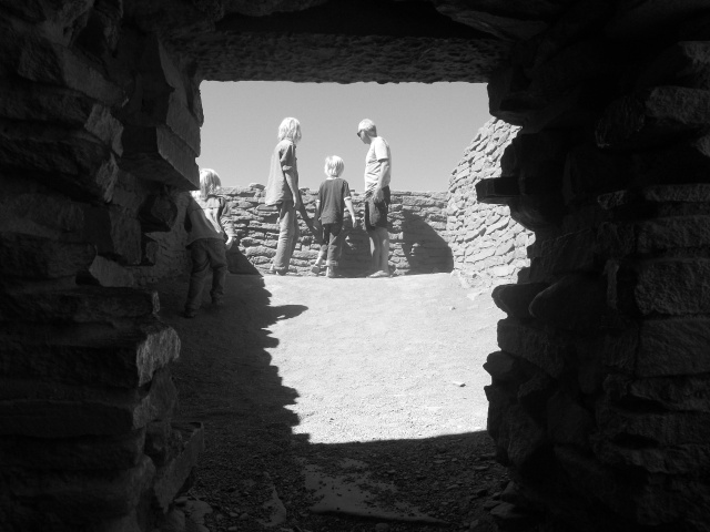 b&w thru doorway