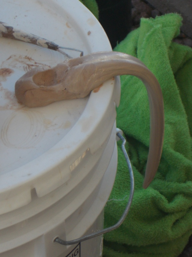 An up-coming handle for the mug