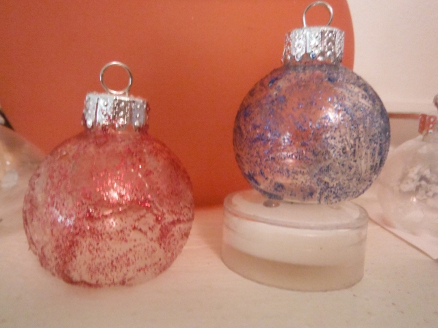 Laars' Christmas balls