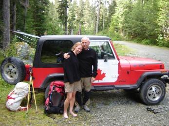 Jeep-Canada-Flag-Hiking